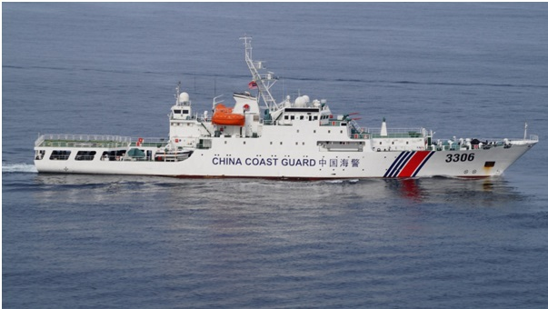 Chinese_Coast_Guard_ship_during_DiREx-15
